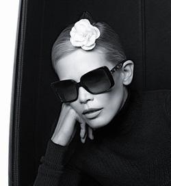 Claudia Schiffer pour Chanel 2011-2012